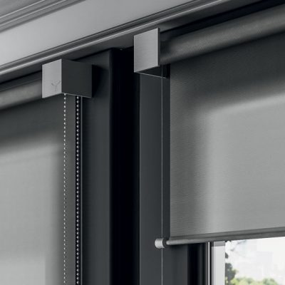 square-elegant-bracket-roller-blind